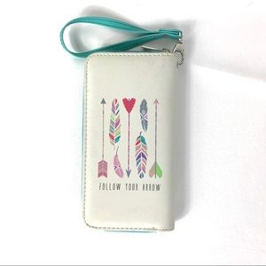 Claire's Follow Your Heart Wristlet